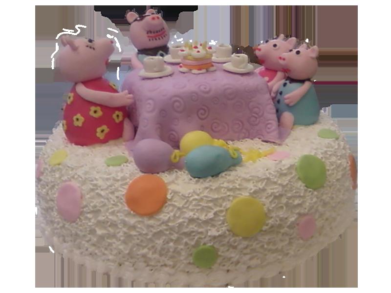 Торт Свинки Пеппи за столом
