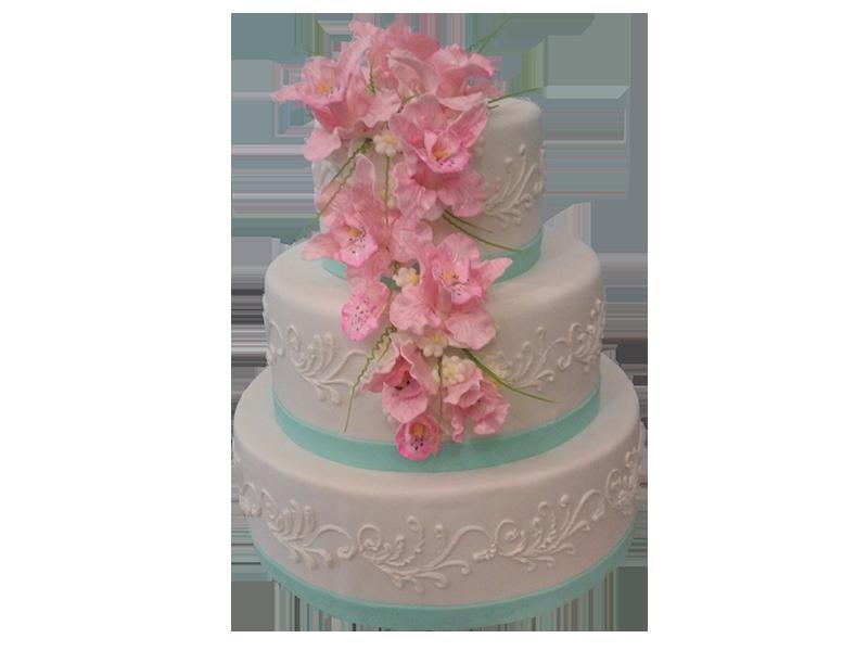 Торт три яруси з рожевими квітами